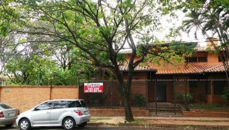 Oportunidad Residencia En Esquina 1.320m2 A Pasos De Av. Mariscal Lopez