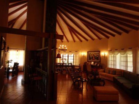 Hermosa Casa En Venta.zona Norte (club Polo Norte)