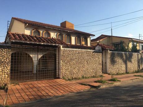 Casa En Venta En Barrio Ramafa