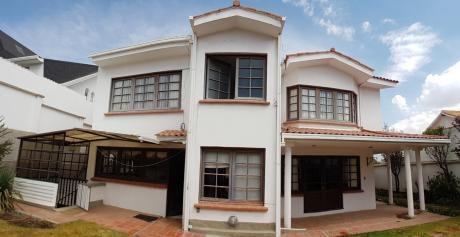 Comoda Casa En Alquiler Calle 27. Los Pinos.
