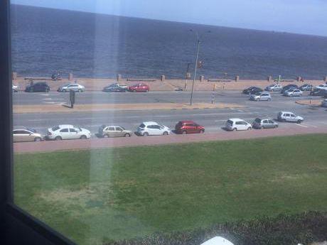 Excelente!!! Vista Al Mar Desde Todos Los Ambientes!! Lugar Para Estacionamiento