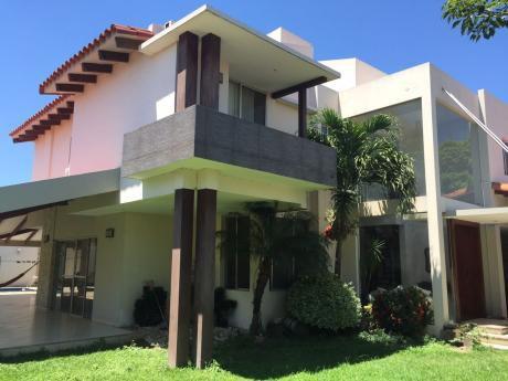 Casa De Lujo En Venta - Paraguá Y Canal Cotoca