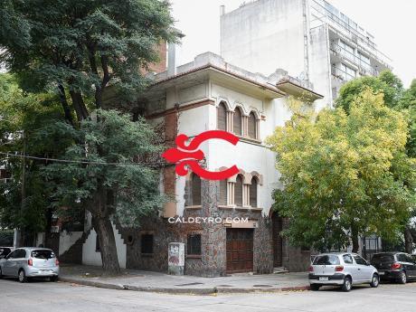 Casa En Esquina En Pocitos - Bello & Reborati. Ref: 5844