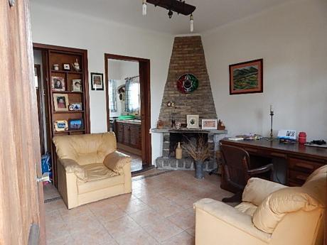 Buena Casa En Prado Norte A Mts De Molinos De Raffo