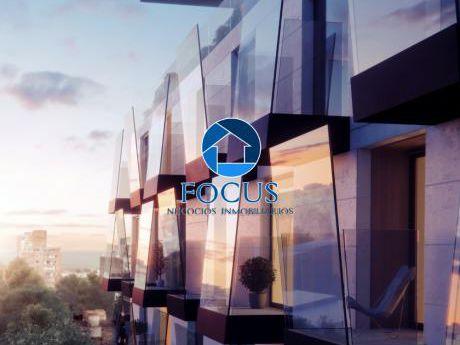 Venta Apartamento 1 Dormitorio, 2 Balcones, A Cuadras De La Rbla