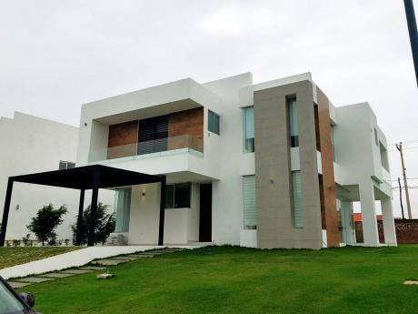 Hermosa Casa De Lujo A Estrenar