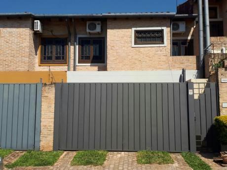 Alquilo Duplex En Bo. Mburucuya Gs. 4.000.000