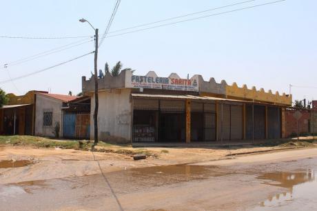 Comercio Vivienda En Esquina Ubicada En Zona Sur Barrio Fortaleza