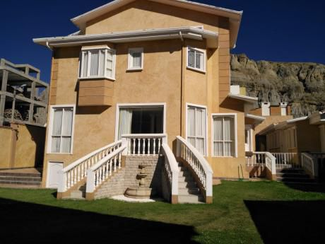 $us.320.000.- Hermosa Casa En Achumani