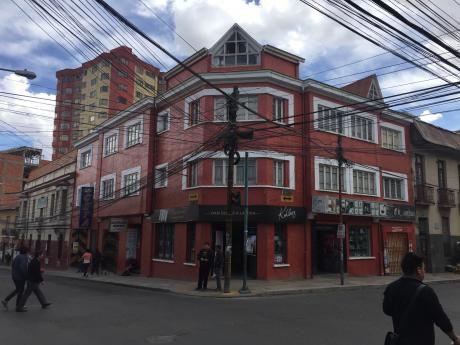 Casa Con Oficinas En Funcionamiento En San Pedro