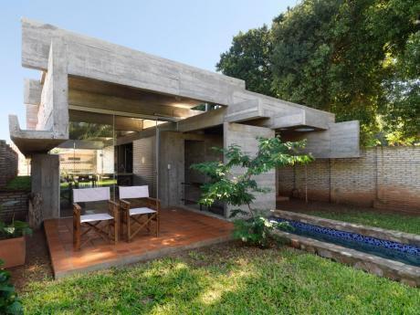 Vendo casa minimalista en barrio hip dromo for Casa minimalista uy