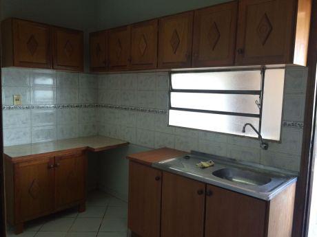 Hermoso Dpto A 2 Cuadras De Gral Santos Entre Eusebio Ayala Y Mcal Lopez