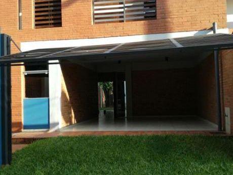 Alquilo Duplex Con Piscina En Fernando De La Mora Norte.