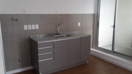 Alquiler De Apartamento ,2 Dormitorios Con Garage A Estrenar En Tres Cruces