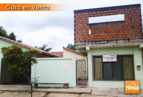 Casa Economica En Venta - Urb. Las Piedades