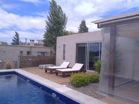 Venta Y Alquiler De Casa 3 Dormitorios En Altos De La Tahona