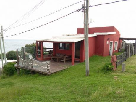 Punta Colorada : Para Descansar En Un Entorno Y Vista Inigualable Frente Al Mar