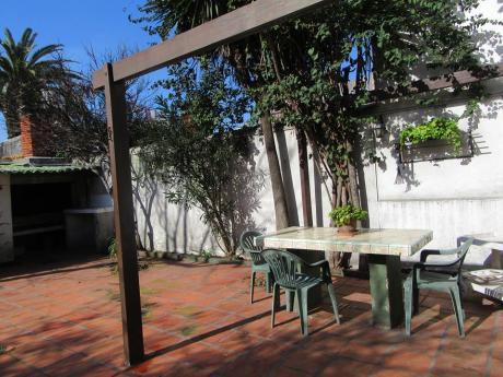 S.b.r Presenta: Exclusiva Casa Con Gran Patio En Pocitos