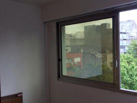 Apartamento 1 Dorm. En Soriano Casi Gutierrez Ruiz