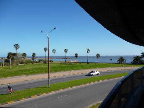Gran Vista Al Mar En Excelente Ubicación