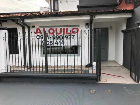 Alquilo Oficina En Tacuary Casi 5ta. Frente Al Banco De Fomento.