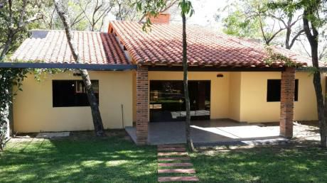Coqueta Casa Con Piscina En Sanber