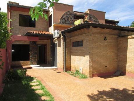 Alquilo Dúplex En Barrio Manorá,zona Bcp,parque De La Salud