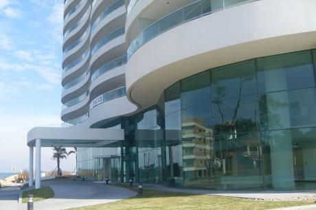 Alquila Apartamento  En Punta Del Este 4 Dormitorios