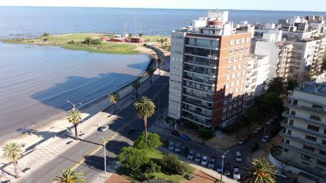 Hermoso Monoambiente, Amoblado, Frente A La Playa!!