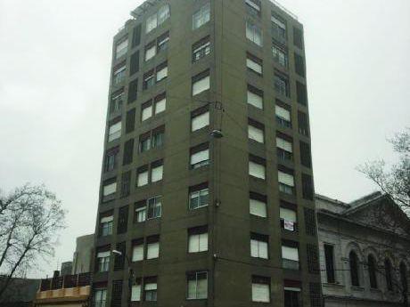 Venta O Alquiler De Apartamento 2 Dormitorios, Centro