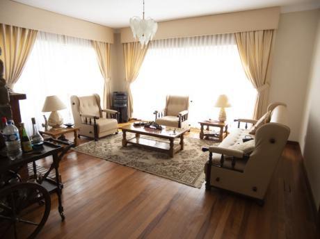 Casa Amoblada En Excelente Ubicación, Irpavi Bajo
