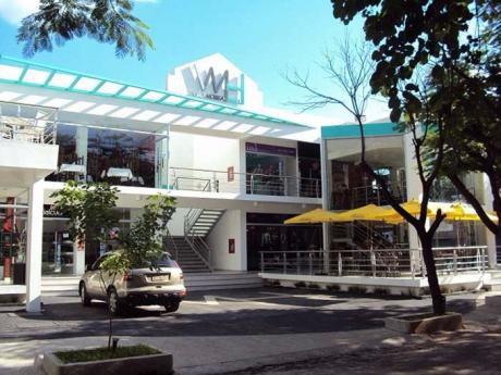 Salon Comercial En Alquiler - Villamorra