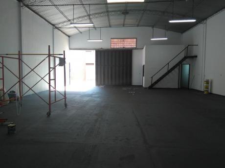 Alquilo Tinglado En Fernando Zona Norte