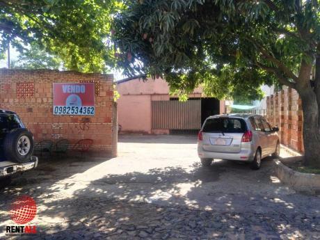 Tinglado Con Vivienda Zona Supermercado El Pueblo.