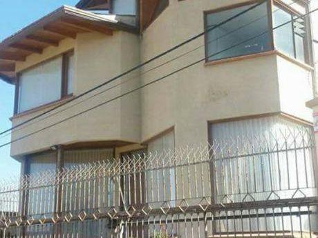 Hermosa Casa En Laquiler Achumani Condominio Privado