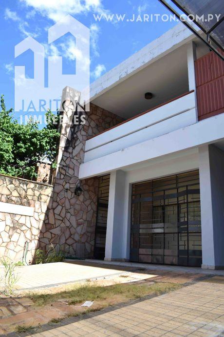 Amplia Casa Zona Colegio Internacional