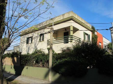 Casa En Venta En Puerto Del Buceo!