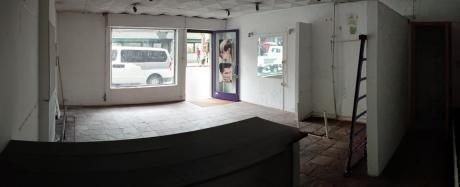 Local Comercial En Mercedes Y Yaguaron