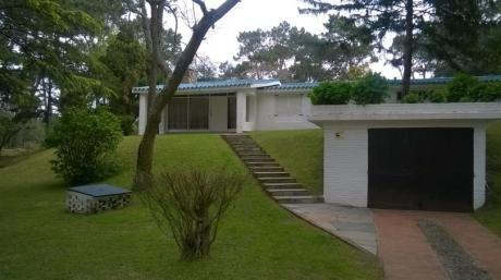Chalet En Punta Del Este, Ideal Para 10 O Mas Personas, 220 M2 Construidos