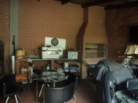 Casa En Venta Zona 4to Anillo Y Canal Cotoca.