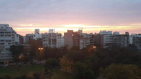 Apto. De Gran Porte En Una De Las Mejores Zonas De Montevideo