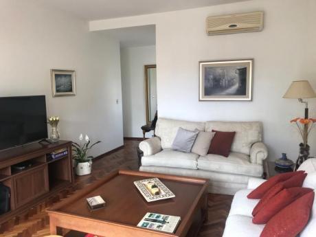 Apartamento De Altos En Carrasco  CLásico