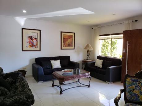 Alquilo Casa Amoblada Amplia Y Moderna