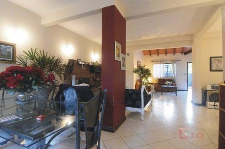 Vendo Residencia En Lambare, Zona Canal 13
