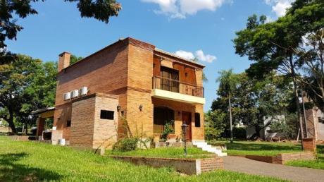 Alquilo Casa Amoblada Y Equipada Con Piscina En Bo Cerrado Zona Aeropuerto