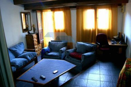 Casa En 2 Plantas, Reciclada, 3 Dorm, 2 Baños En 174m2 Con Parrillero