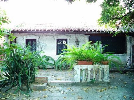 Tierra Inmobiliaria – Oferta! Casa En Bo. Obrero, A Pasos De Felix Bogado!