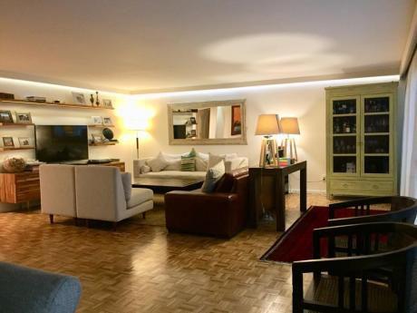 Hermoso Apartamento En Venta 3 Dormitorios Y Servicio, Para Entrar, Pocitos