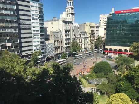 Espectacular Vista A La Plaza Del Entrevero!!tenemos Llaves
