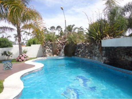 Hermosa Casa En Atlántida, Zona Pinares